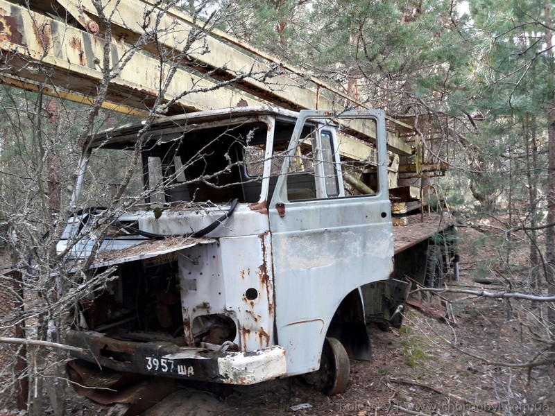 abandoned vehicles in chernobyl